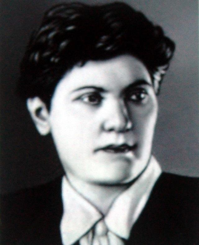 Паша Ангелина.