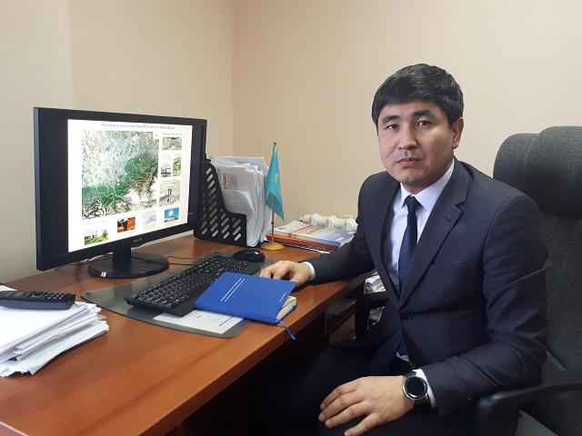 Азамат Калдыбаев.