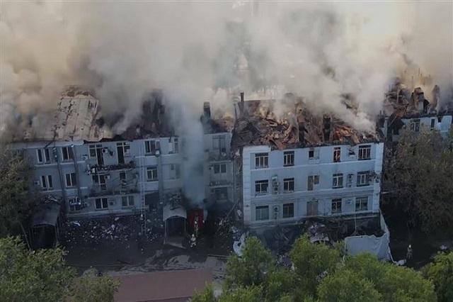 А вот как бывший Жилкомбинат № 2 горел 17 сентября этого года