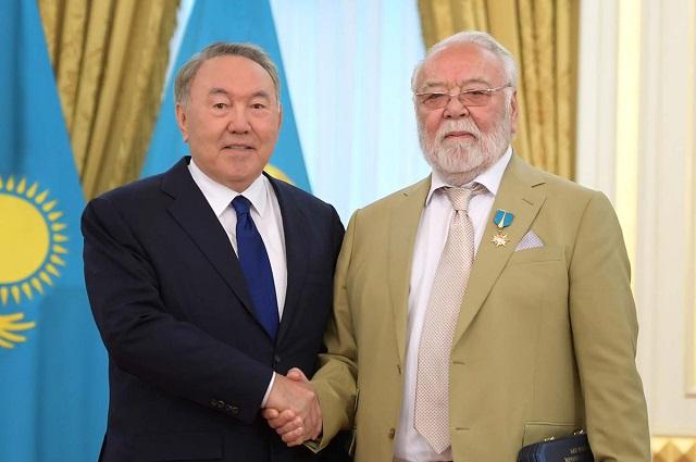 Елбасы и Асанали Ашимов