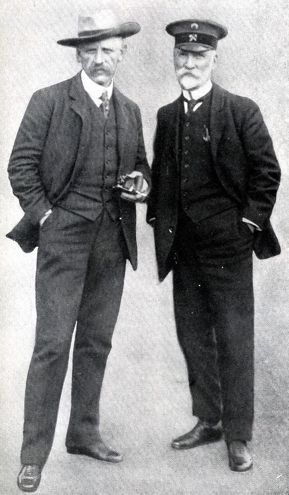 Нансен (слева) во время путешествия 13 сентября 1913 года.