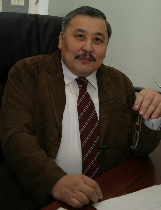 Али Аманбаев.