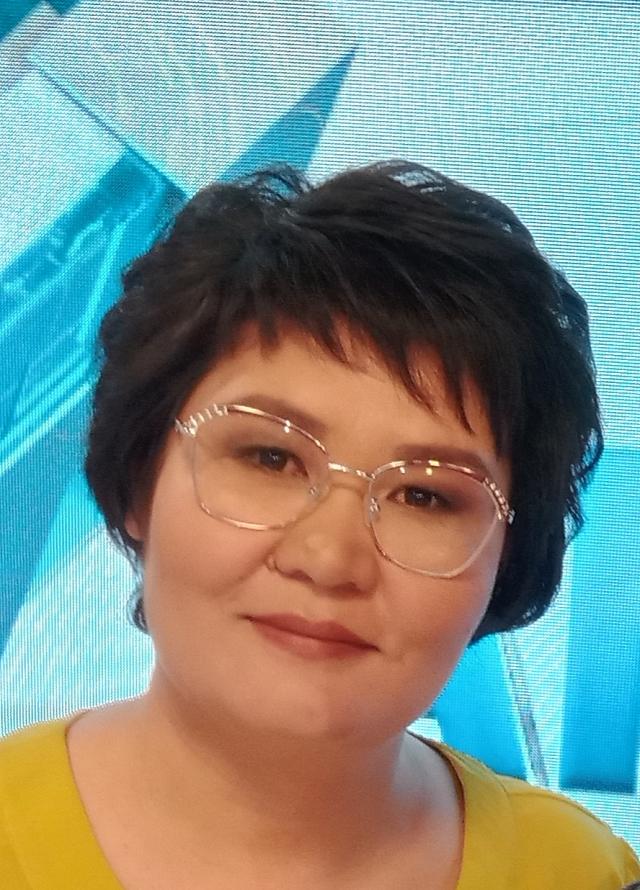 Ляззат Кожахметова.