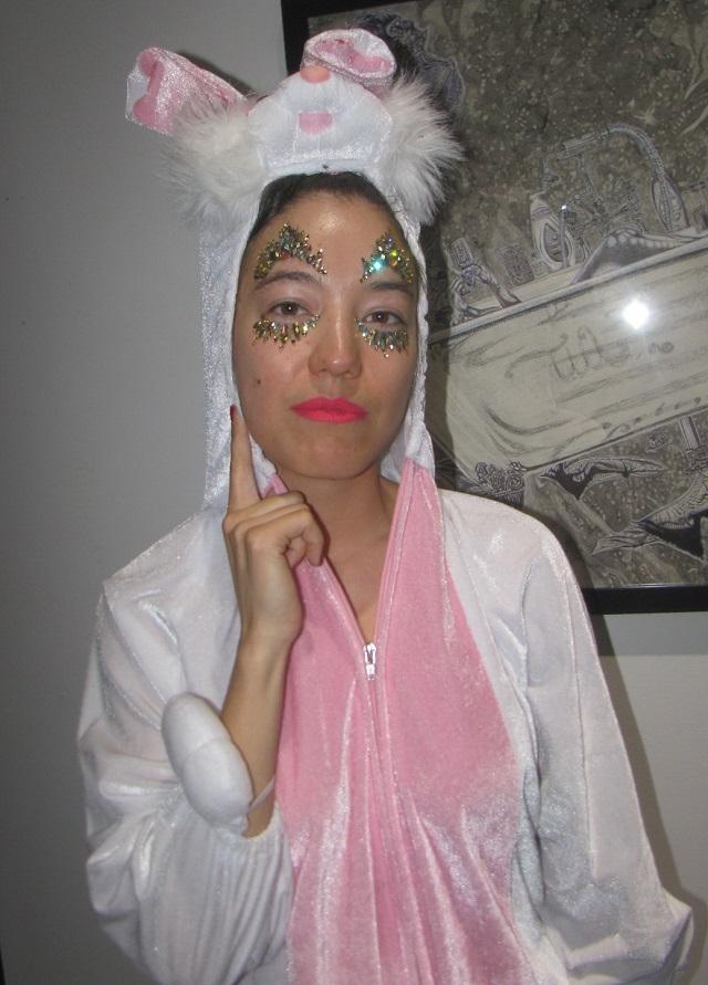 Катя Кан в облике своего любимого персонажа – фантастического кролика.