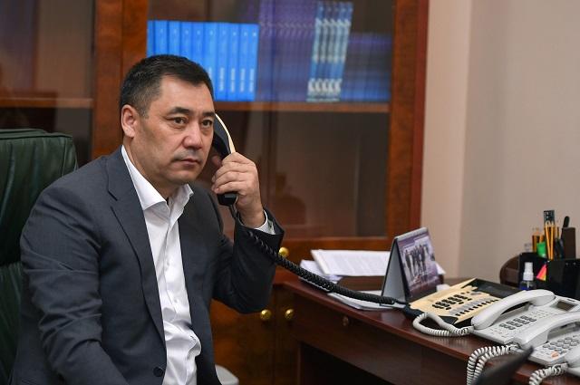 Эксперты утверждают, что обстановка в Кыргызстане уже накаляется. Запущены процессы против кандидата в президенты Садыра Жапарова.